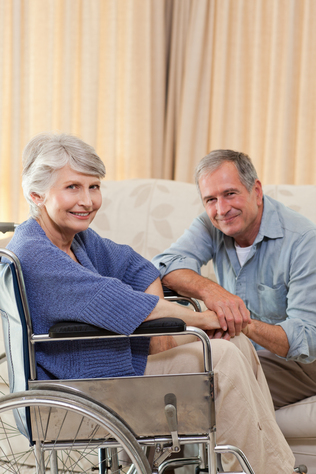 Pflegetipp: Mit einem Rollstuhl lässt sich ein großes Stück Freiheit zurückgewinnen