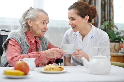 Untergewicht bei Pflegebedürftigen: Wann ist Hilfe erforderlich?