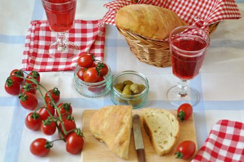 Appetitlosigkeit bei Senioren: Was pflegende Angehörige darüber wissen sollten